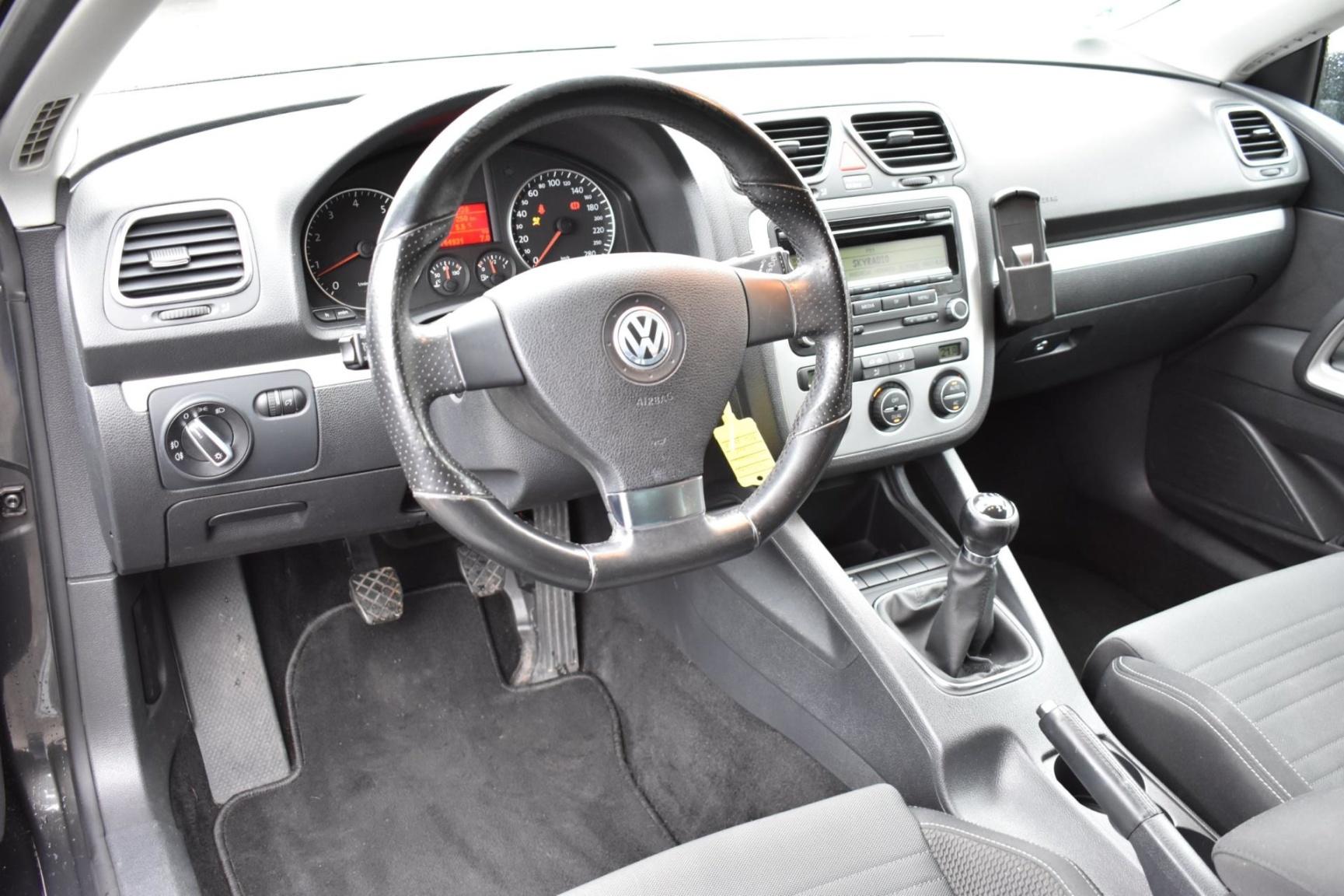 Volkswagen-Scirocco-14